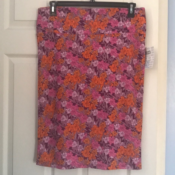 Skirts Nwt Lularoe Xl Floral Cassie Skirt Moderate Price Women's Clothing